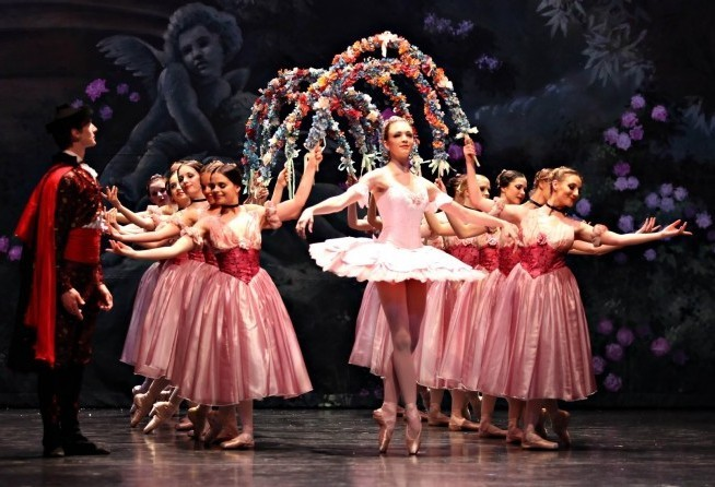 apothesis tchaikovsky The sleeping beauty (спящая красавица), op 66 (th 13  čw 13), was the second of tchaikovsky's three ballet scores, based on the fairy tale by charles perrault it was composed and orchestrated from october 1888 to august 1889, with minor revisions during stage rehearsals in the last three months of 1889.